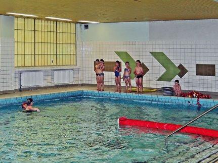Kinderschwimmen in GGS Hohe Straße